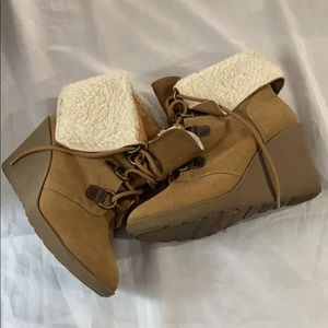 Coach and Four Shoes, Size 8